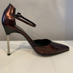 Vintage Gucci Spiked Heels Up for Grabs - Size 7